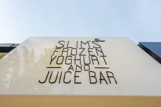 Slim's Kitchen: Signaage