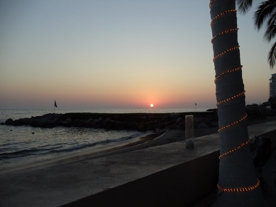 Westin Resort & Spa Puerto Vallarta : Sunset at Arrecifes