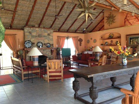 Villa del Faro: Outdoor Livingroom at Pool