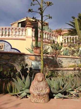 Villa del Faro: Mexican art and architecture