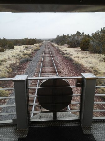 Grand Canyon Railway Hotel : Rail trip to the Canyon.  View from the caboose of the train.  Train station at the village hote