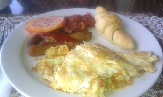 Turtle Beach by Rex Resorts: Brakefast: Omelette, croissant, beef sausage, corned beef