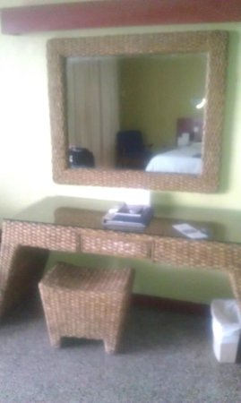 Turtle Beach by Rex Resorts: Inside room