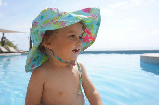 Playa La Media Luna Hotel : Enjoying the pool