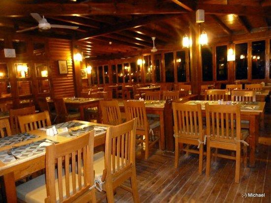 Arena Inn: Restaurant am Abend
