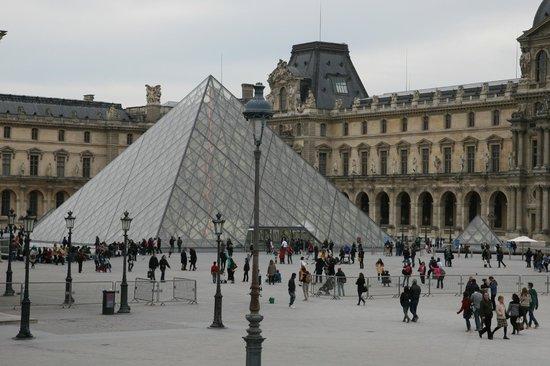 Ibis Paris Gare du Nord Chateau Landon : Лувр