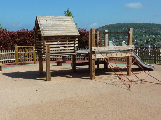 Pierre & Vacances Residence Premium Résidence & Spa : jeux pour enfants