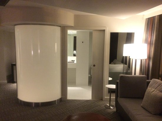Kimpton Donovan Hotel: Great bathroom