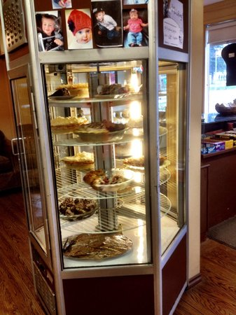 High Five Diner: Homemade pies are hard to pass by.