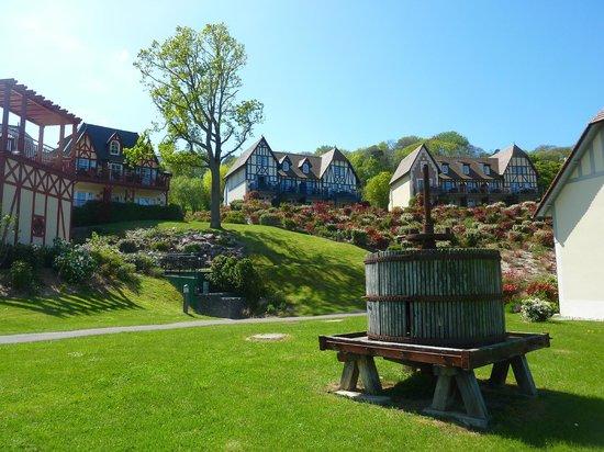 Pierre & Vacances Residence Premium Résidence & Spa : quartier les ramiers vu de la pommeraie