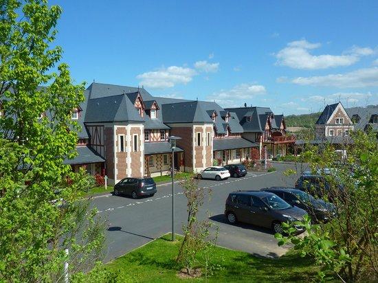 Pierre & Vacances Residence Premium Résidence & Spa : quartier la girouette