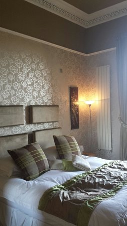Allburys: Bedroom