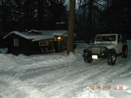 Hominy Ridge Lodge and Cabins: Our Cabin & 'Snoopy' our 4X4