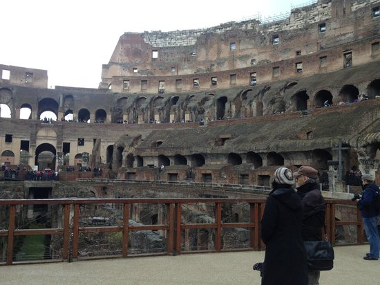 New Rome Free Tour: Inside the Colosseum