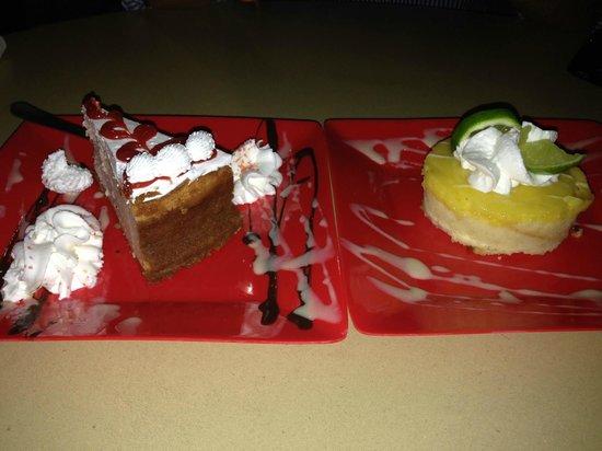 Red Flamboyan Restaurant: Guava cheesecake & lemon tart