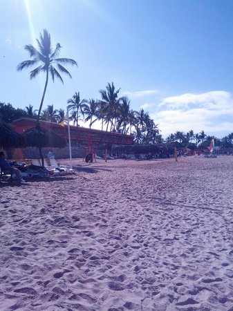 Royal Decameron Complex: Resort beach in front of Pool 1 and Block 1