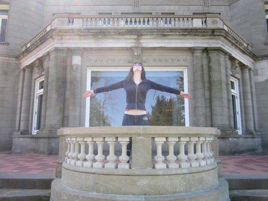 Pittock Mansion: Enjoying the moment!