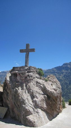 Condor's Cross: cruz del condor