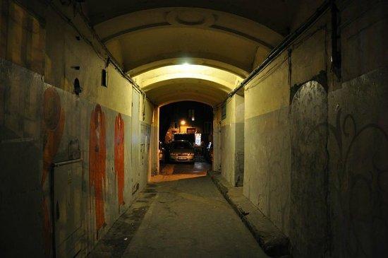 Praga Północ: Brama przy Targowej