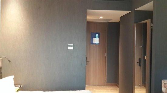 Hampton by Hilton Cartagena: Habitación Puerta