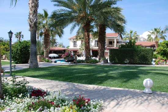 Almond Holiday Village : Hotel & gardens