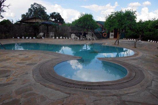 Sentrim Tsavo East : la piscina
