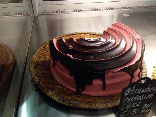 Original Bakewell Pudding Shop: Pink cake