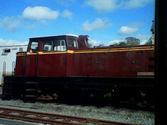 Ffestiniog & Welsh Highland Railways: passing the repair shop