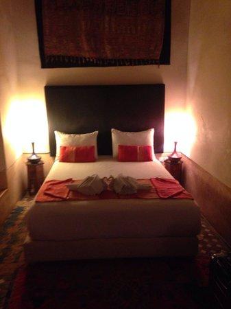 Dar Lalla F'dila : Beautiful room. Feels like a royal room