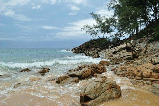 Naithonburi Beach Resort: Пляж Nai Thon