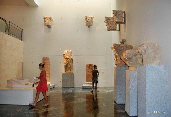 Teatro Romano: Экспонаты музея