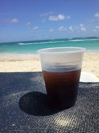 Grand Palladium Punta Cana Resort & Spa: bebida e praia