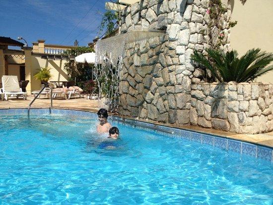 Hotel Portal das Aguas: Piscina