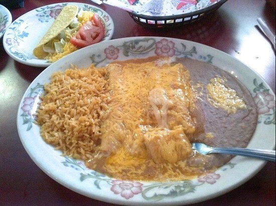 Jalisco's Mexican Restaurant No. 1: Combo Plates.  Lunch Menu  Mon-Fri 11am-2pm, Dinner Portions
