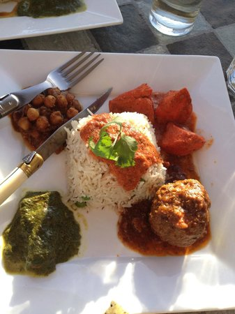 Little Hut Curry : Four Corners Dinner Special