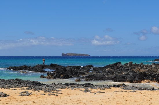 Wailea Beach : Island seen from Secret Beach