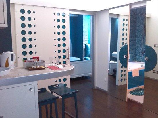 Mood Design Suites : entrada de la habitacion