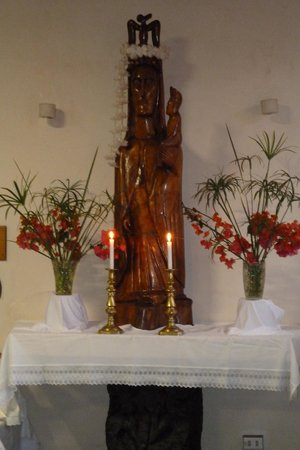 Iglesia de Rapa Nui: Alter und neuer Kultus
