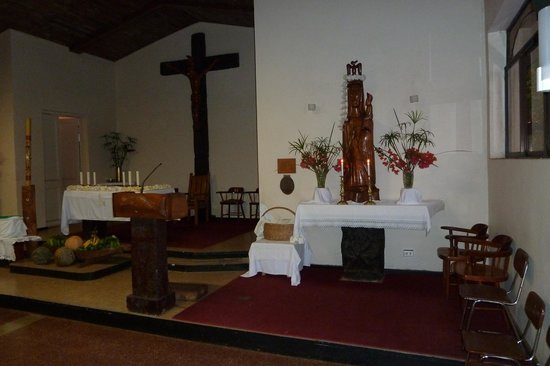 Church of Rapa Nui : Altar