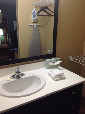 Extended Stay America - Columbus - Polaris: Sink area.