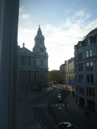 Club Quarters Hotel St. Paul's: View from our window