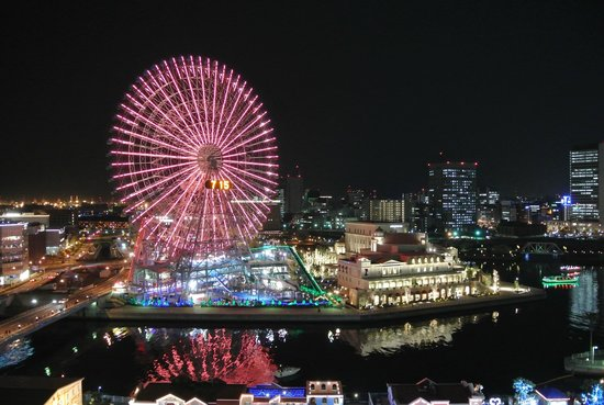 The Yokohama Bay Hotel Tokyu: theme park view from our room.