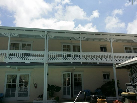 The Palms Hotel- Key West: Blick vom Pool auf unser Zimmer