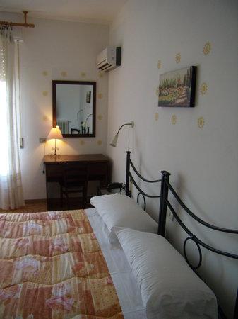 Hotel Sangallo : camera con vista e aria condizionata