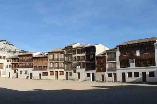 Plaza del Coso: Vista de un lado de la plaza.