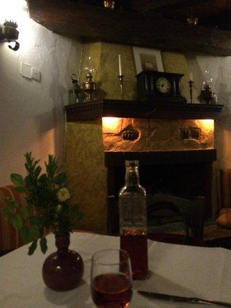 O Bebelis: χώρος εστιατορίου
