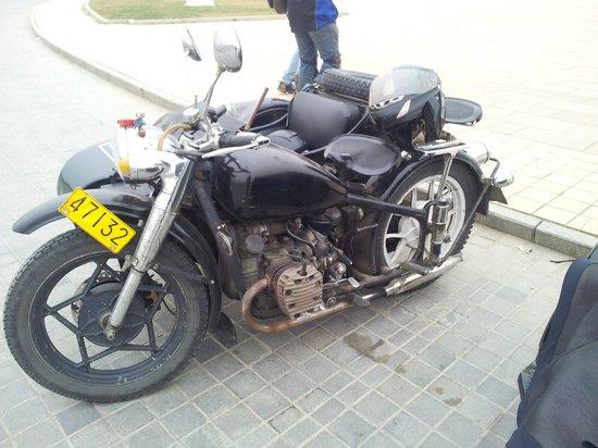 Side-car Motorcycles Trips - Beijing Sideways: Sidecar