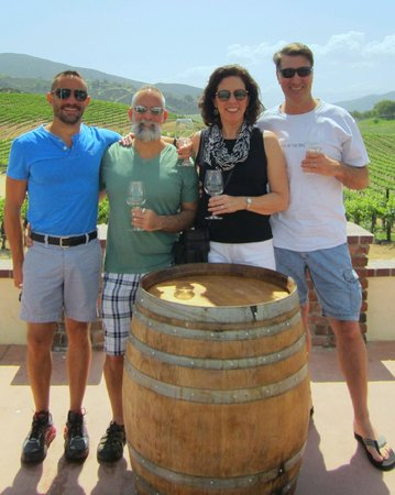 Grapeline Wine Tours: Leoness Cellars