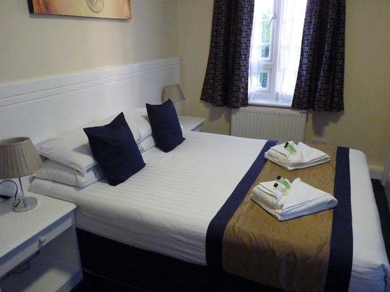 Kingsland Hotel: A double room