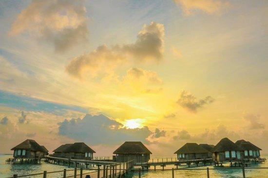Club Med Kani : Sunset @ Kani